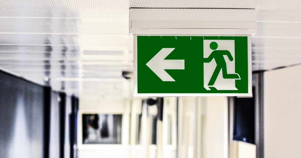 emergency-exit-1321134_1920