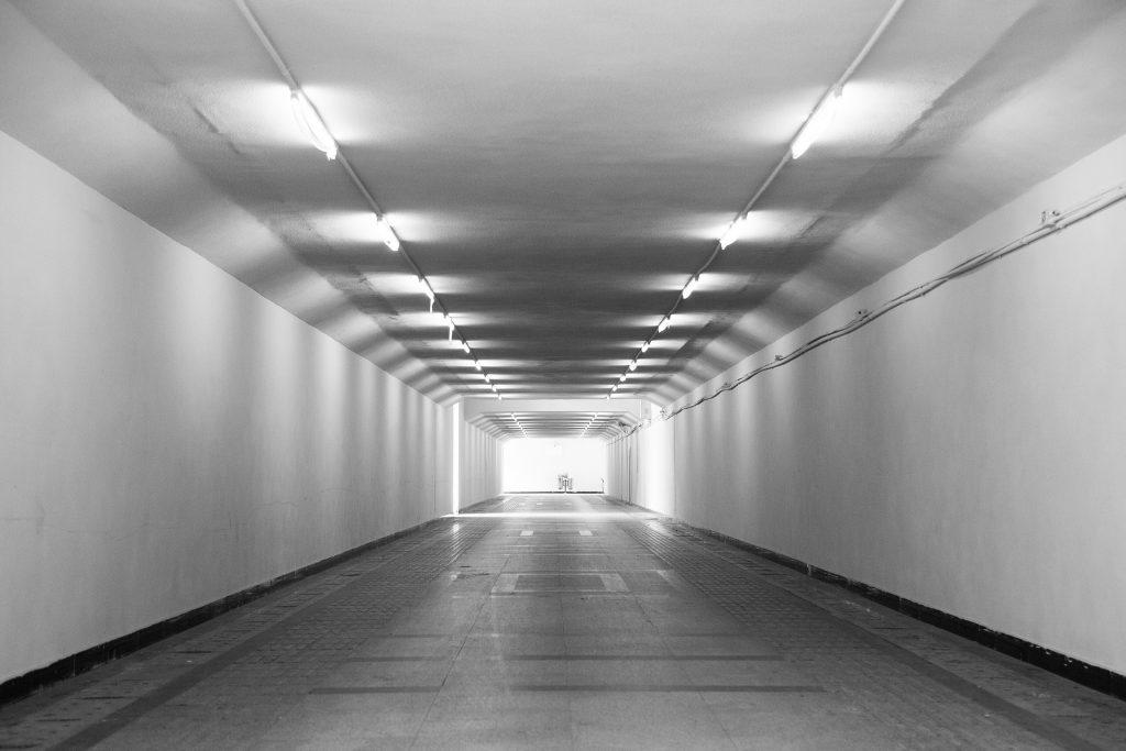 underground-passage-1891061_1920